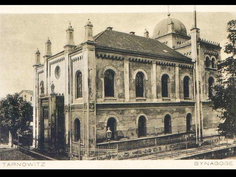 http://www.shabbat-goy.com/wp-content/gallery/tarnowskie-gory-synagogue/the-synagogue-of-tarnowskie-gory-8.jpg